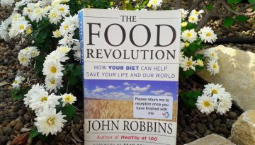 Book Review - The Food Revolution – does what we eat really matter