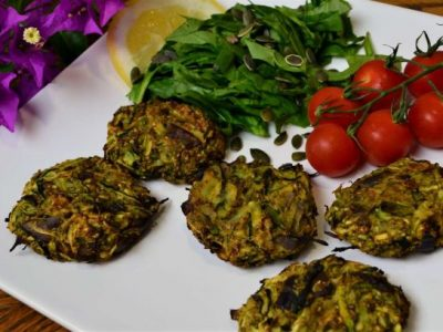Courgette fritter plantbased food recipe at La Crisalida health and wellbeing retreats, Spain