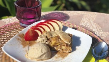 Gluten-free apple pie with vegan banana icecream recipe