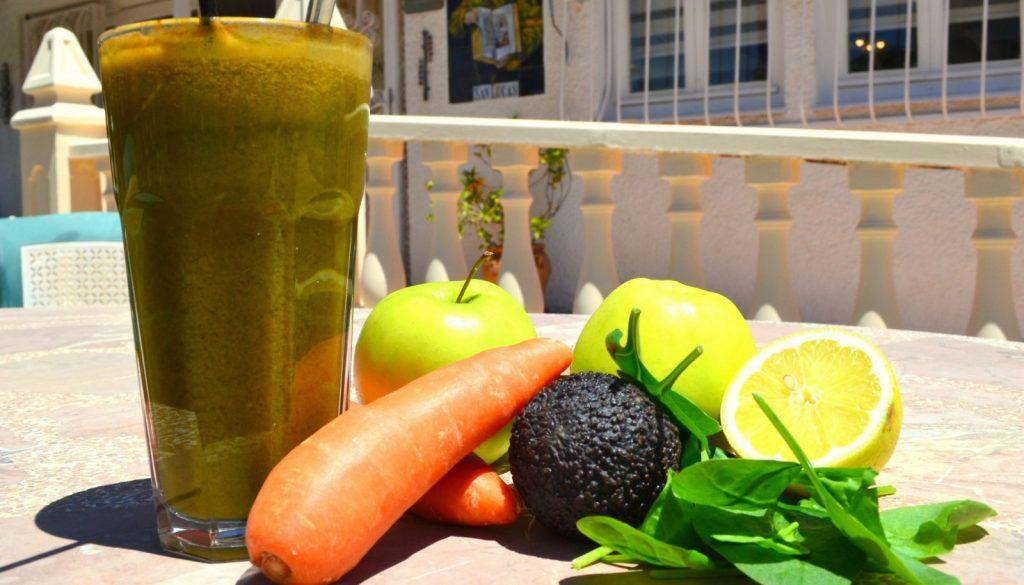 New day spinach juice recipe La Crisalida juice retreat Spain