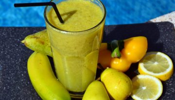 Pear-smooth-tastic, pear and banana smoothie recipe