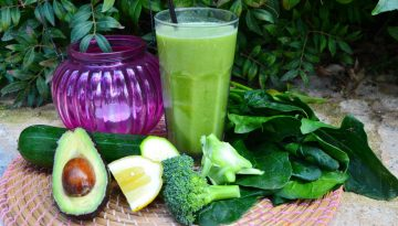 Supercharged green clean kale juice recipe