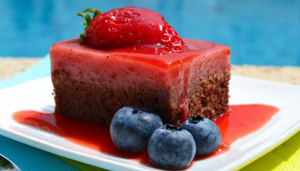 Vegan gluten-free strawberry cake with chocolate buckwheat base recipe