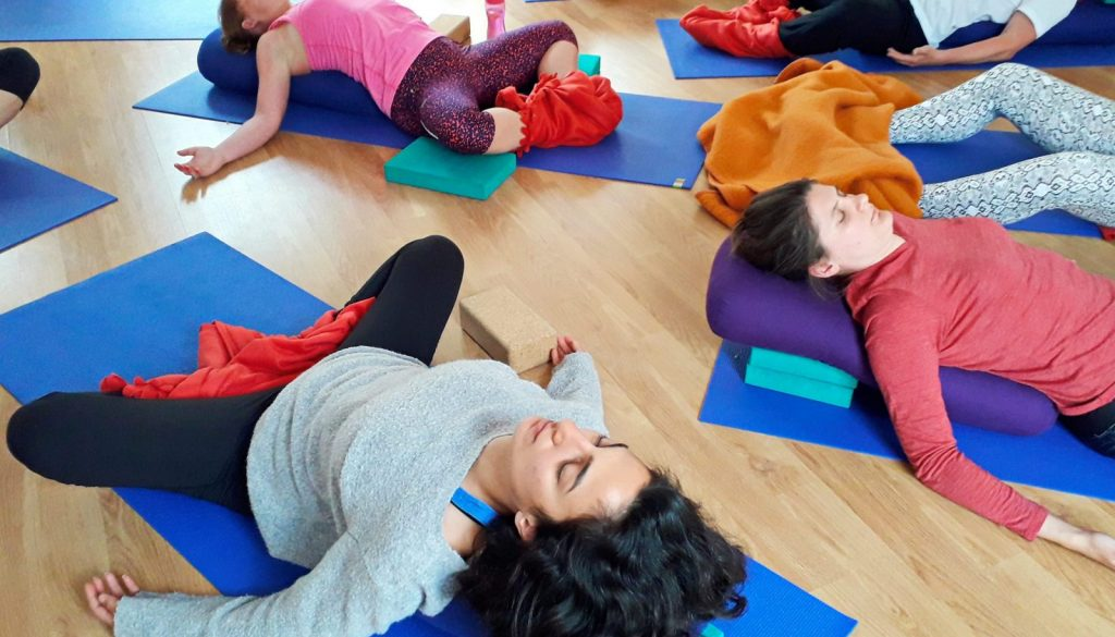 What is restorative yoga and how to use the breath