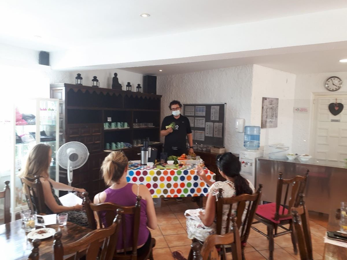 Learn how to juice in our interactive juicing demo Juicing retreat Spain