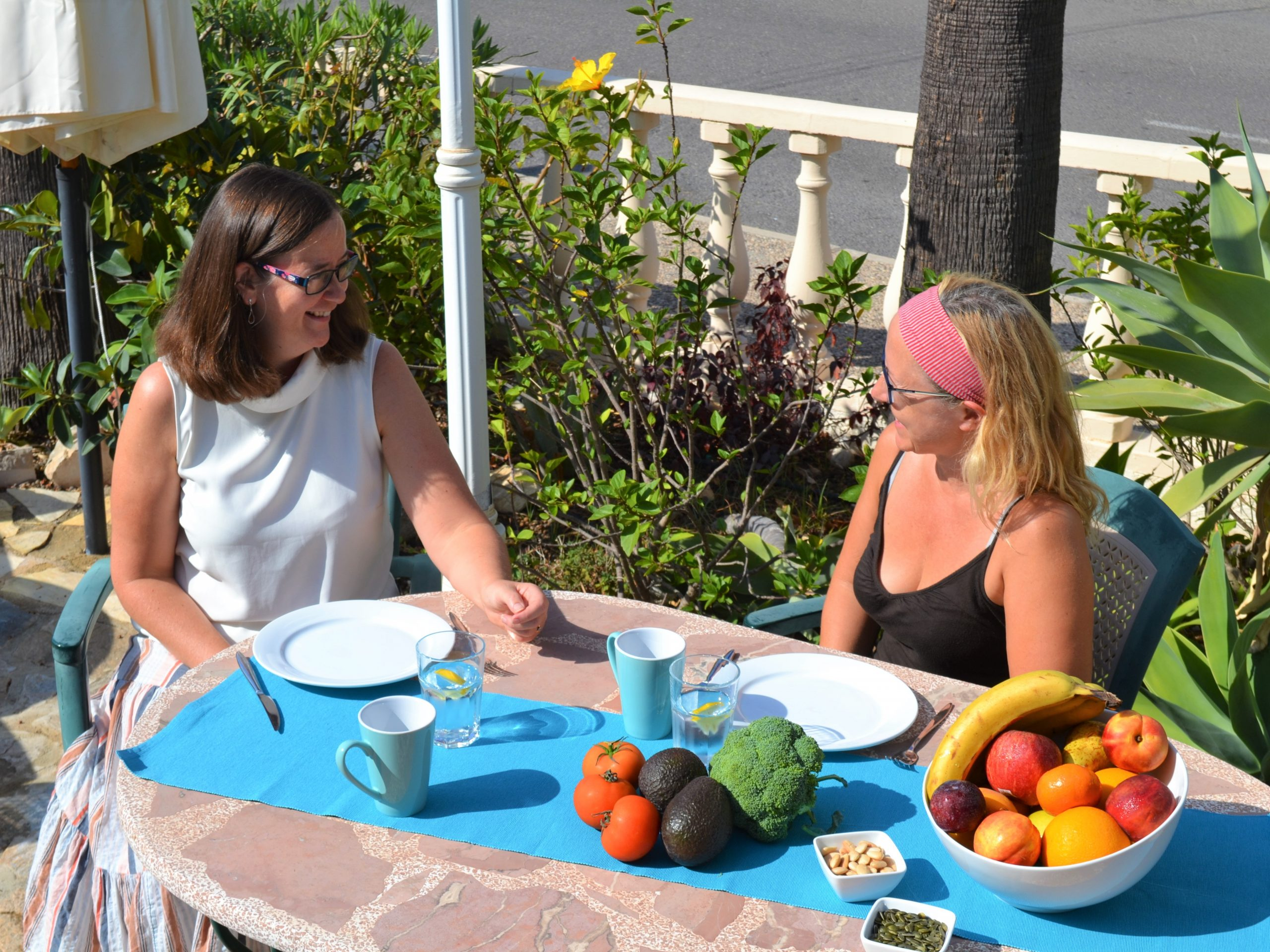 Food and nutrition to relieve menopause symptoms natural health retreat Spain