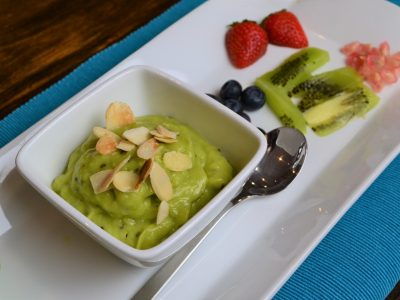 Kiwi lime pudding recipe vegan dessert from La Crisalida Retreats