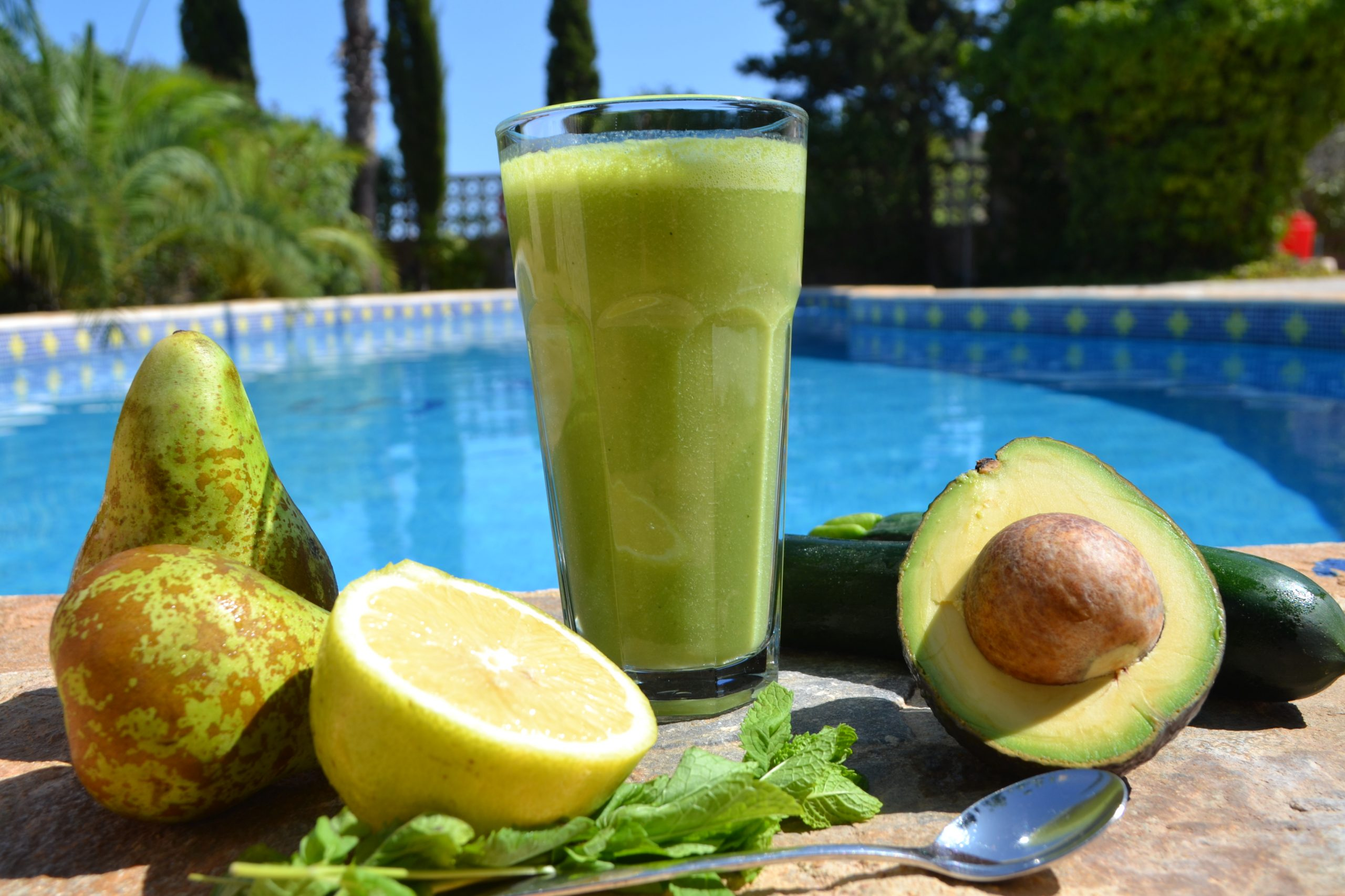 Minty pear juice recipe juice detox retreat Spain