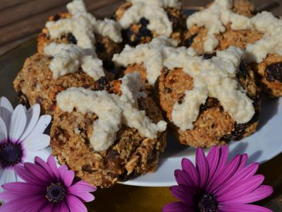 Easter vegan hot cross buns recipe gluten free La crisalida retreats